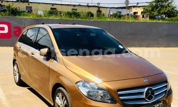 Buy Used Mercedes Benz 190 Brown Car in Mbabane in Manzini