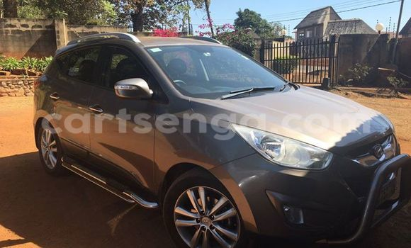 Buy Hyundai Accent Black Car in Manzini in Swaziland