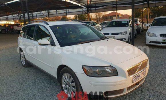 Buy Used Volvo V40 White Car in Mbabane in Manzini