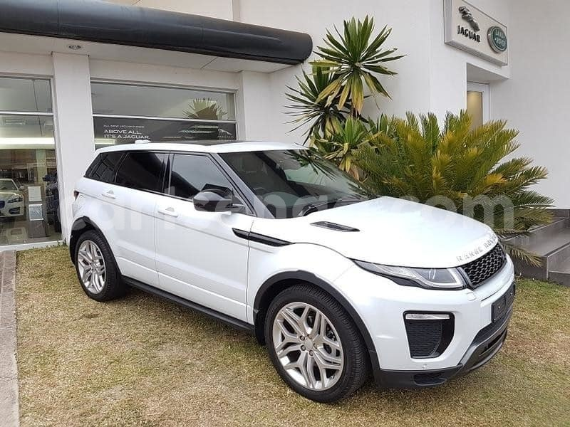 Big with watermark 2015 land rover evoque 1