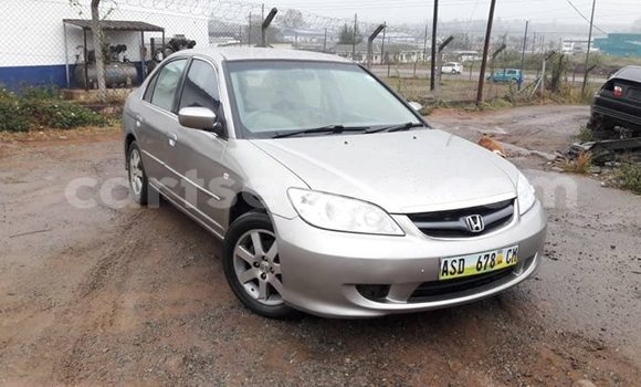 Nunua Ilio tumika Honda Civic Silver Gari ndani ya Matsapha nchini Manzini