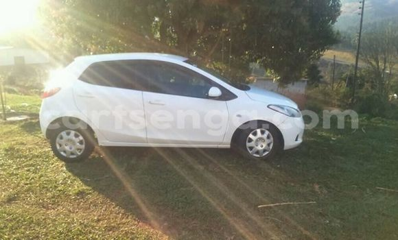 Buy Used Mazda Mazda 2 White Car in Matsapha in Manzini