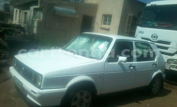Buy Used Volkswagen Golf White Car in Matsapha in Manzini