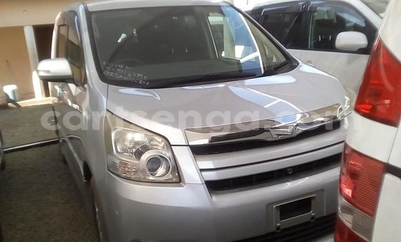 Buy Used Toyota Noah Silver Car in Mbabane in Manzini