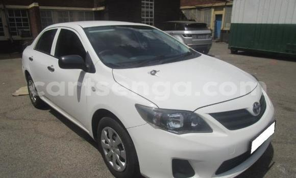 Buy Used Toyota Corolla White Car in Big Bend in Lubombo