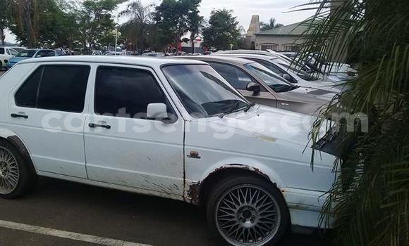 Buy Used Volkswagen Golf White Car in Ezulwini in Hhohho