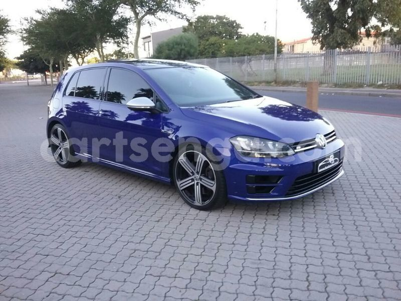 Big with watermark 2014 volkswagen golf 1