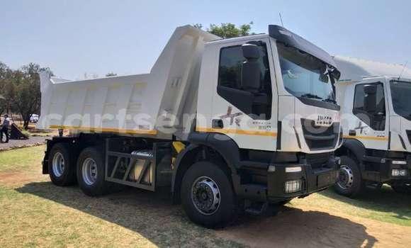 Medium with watermark iveco trakker 440 manzini mankayane 14514