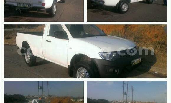 Buy Used Mitsubishi Triton White Car in Manzini in Swaziland