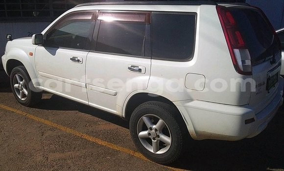 Buy Used Nissan X-Trail White Car in Matsapha in Manzini
