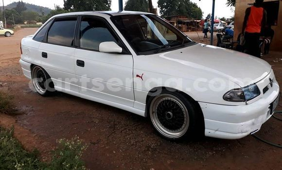 Buy Used Opel Astra White Car in Mbabane in Manzini