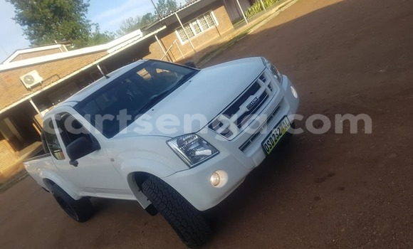 Buy Used Isuzu D–MAX White Car in Mbabane in Manzini