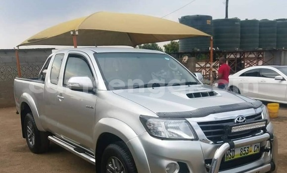 Buy Used Toyota Hilux Silver Car in Mbabane in Manzini