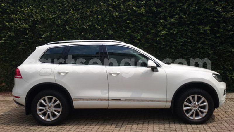 Big with watermark 2012 volkswagen touareg 2