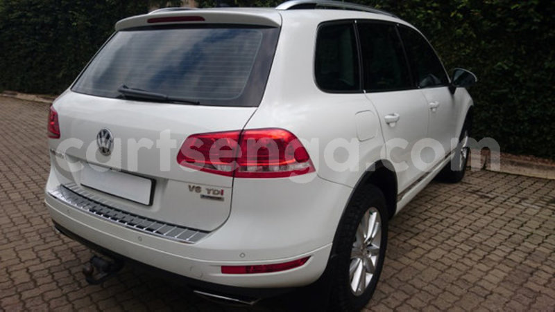 Big with watermark 2012 volkswagen touareg 4