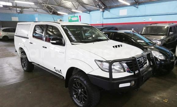 Buy Used Toyota Hilux White Car in Big Bend in Lubombo District