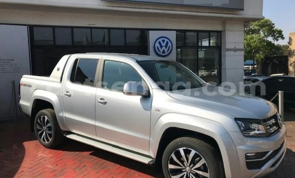 Buy Used Volkswagen Amarok Silver Car in Bhunya in Manzini