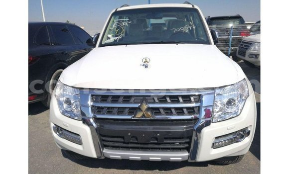 Medium with watermark mitsubishi pajero hhohho import dubai 16671