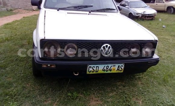 Buy Used Volkswagen Golf White Car in Matsapha in Manzini