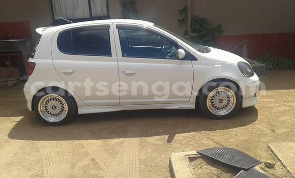 Buy Used Toyota Vitz White Car in Manzini in Swaziland
