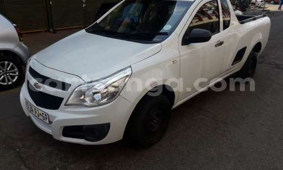 Buy Used Opel Corsa White Car in Bhunya in Manzini