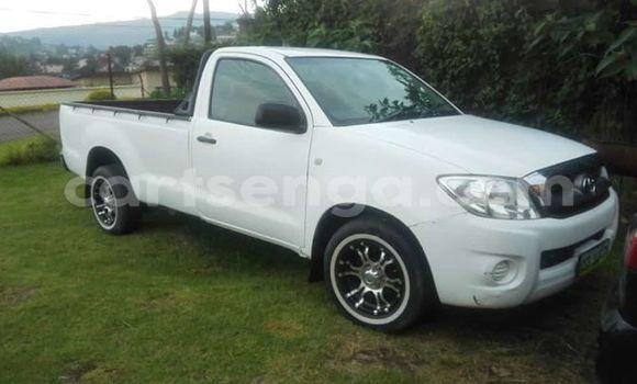 Buy Used Toyota Pickup White Car in Mbabane in Manzini