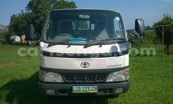 Buy Used Toyota KK-BU306 White Truck in Nhlangano in Swaziland