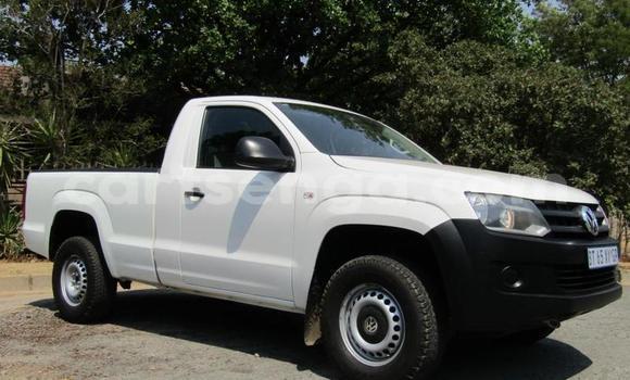 Buy Used Volkswagen Amarok White Car in Mbabane in Manzini