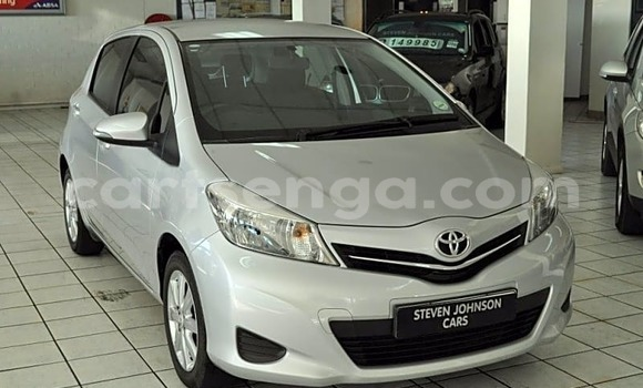 Buy Used Toyota Yaris White Car in Ezulwini in Hhohho