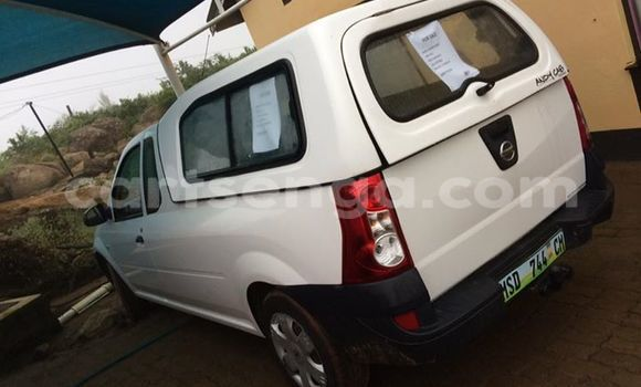 Buy Used Nissan Navara White Car in Manzini in Swaziland