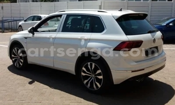 Buy Used Volkswagen Tiguan White Car in Hlatikulu in Shiselweni District
