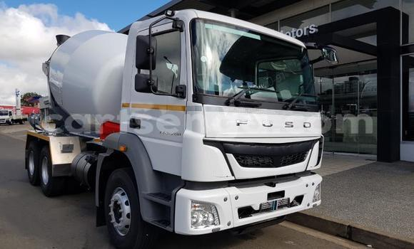 Medium with watermark mitsubishi van hhohho ezulwini 17124