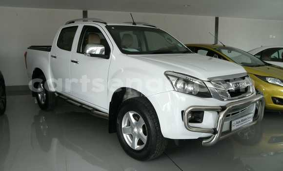 Buy Used Isuzu D-MAX White Car in Mbabane in Swaziland