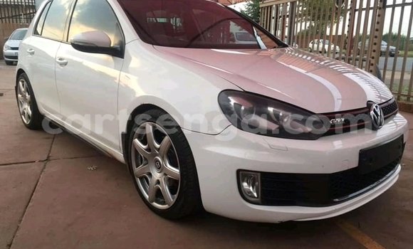 Buy Used Volkswagen Golf White Car in Big Bend in Lubombo