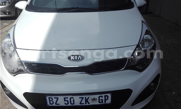 Buy Used Kia Rio White Car in Ezulwini in Hhohho