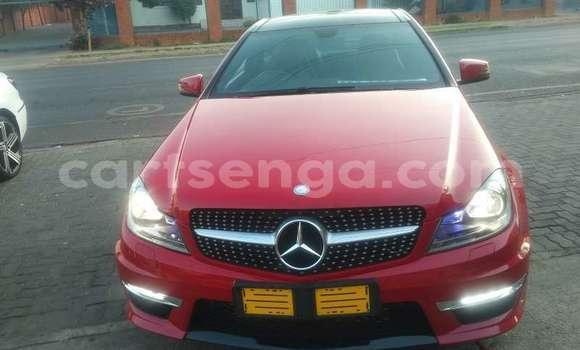Nunua Ilio tumika Mercedes‒Benz C–Class Red Gari ndani ya Kwaluseni nchini Manzini