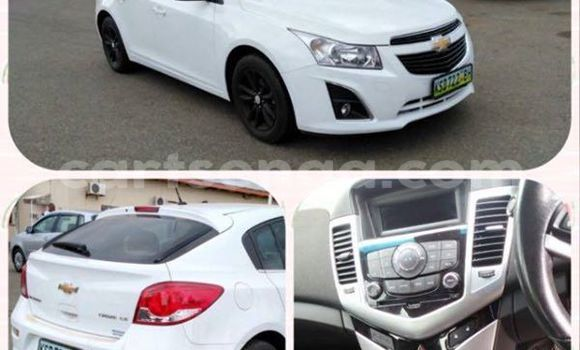 Buy Used Chevrolet Cruze White Car in Manzini in Swaziland