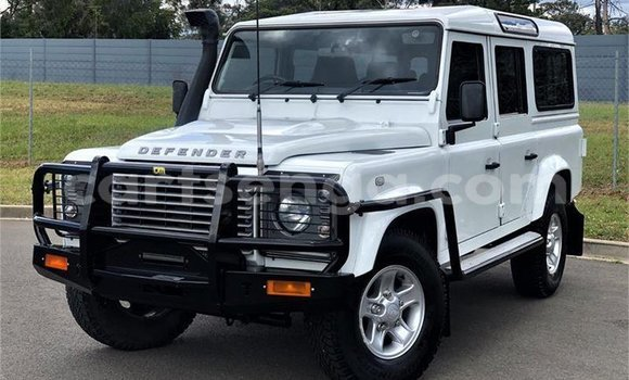 Buy Used Land Rover Discovery White Car in Big Bend in Lubombo