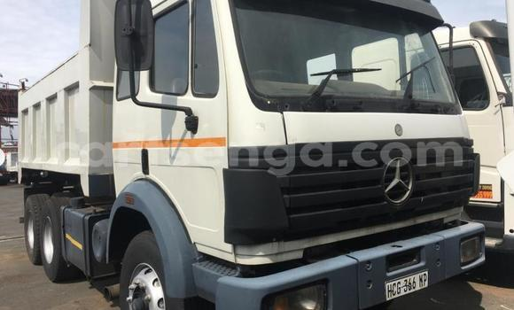Medium with watermark mercedes benz 1117 manzini manzini 18048