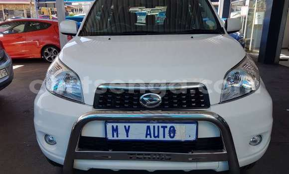 Buy Used Daihatsu Terios White Car in Mbabane in Manzini