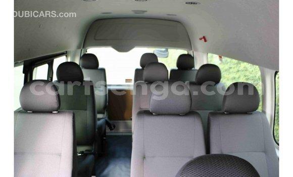 Acheter Importé Voiture Toyota Hiace Blanc à Import - Dubai, Hhohho