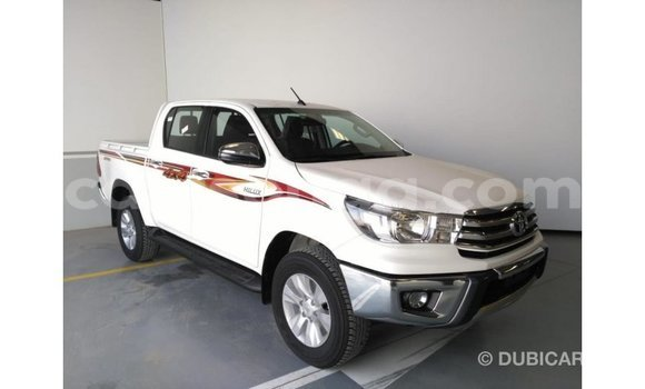Buy Import Toyota Hilux White Car in Import - Dubai in Hhohho
