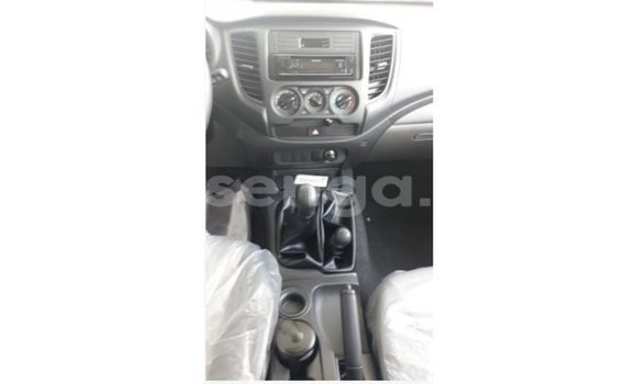 Buy Import Mitsubishi L200 White Car in Import - Dubai in Hhohho