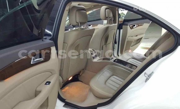 Buy Import Mercedes‒Benz 190 (W201) White Car in Import - Dubai in Hhohho
