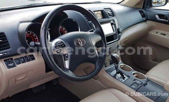 Buy Import Toyota Highlander Green Car in Import - Dubai in Hhohho