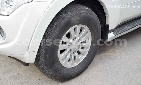 Buy Import Mitsubishi Pajero White Car in Import - Dubai in Hhohho