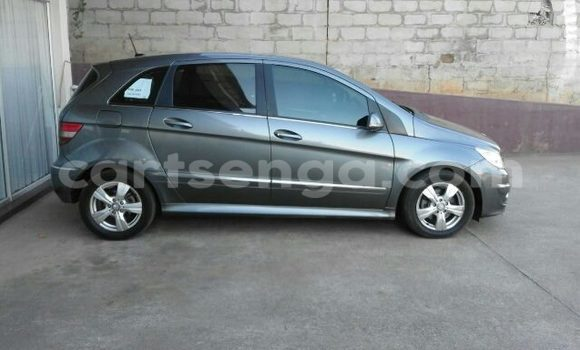 Buy Used Mercedes‒Benz 200 Silver Car in Manzini in Swaziland