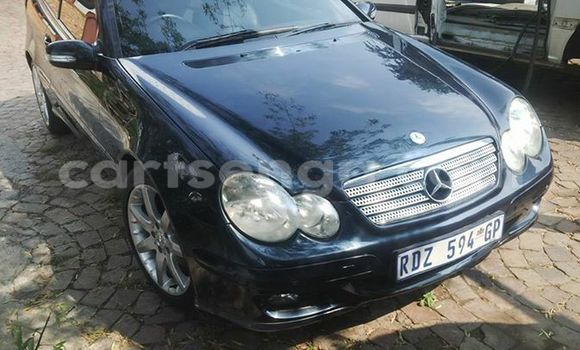 Buy Used Mercedes‒Benz CLK-Class Black Car in Manzini in Swaziland