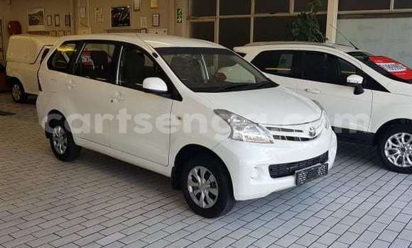 Buy Used Toyota Avanza White Car in Bhunya in Manzini