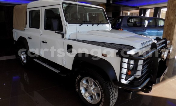 Buy Used Land Rover Defender White Car in Manzini in Manzini